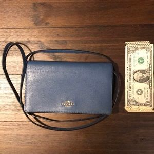 Coach crossbody bag blue (used in good conditions)